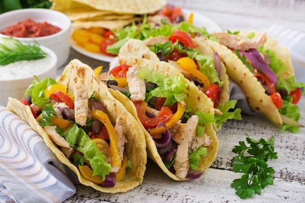 tacos de pollo tailandeses
